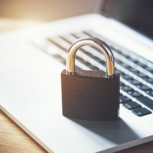 Sichern Sie Ihre Daten, sowohl mittels Backup als auch bei verwendeten Online-Diensten, die Sie täglich verwenden.